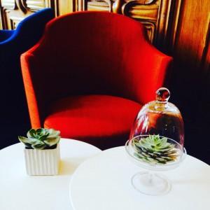 Se lover dans un fauteuil du salon de lecture du #ChateauPerrache le temps d'une pause... #hotel #Lyon  #lyon2 #presquile #lyonnaise #deco #design