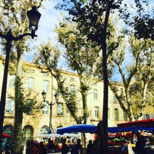 Jour de marché • #millyonnaix #provence #artdevivre #bluesky