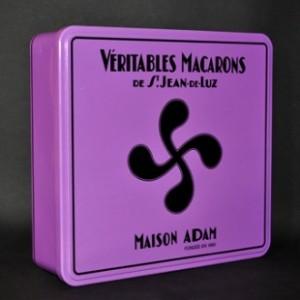 macarons_boite_croix_basque-prune_1