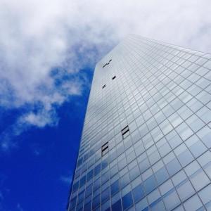 ☁️☁️ lever la tête... #lyon  #lyon3 #tourincity #jep2015 #lyonnaise #monlyon  #onlylyon #igerslyon #bluesky